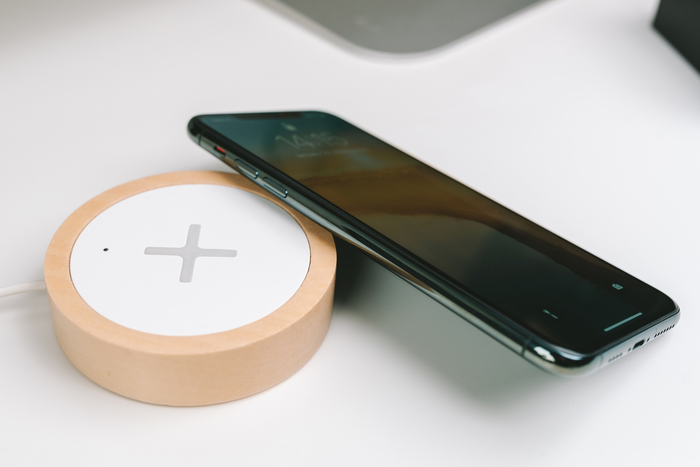 Which iPhones work with wireless charging?