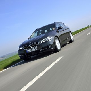 BMW Series 5 Touring 528i (2014)