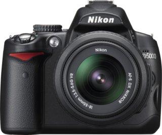 Nikon D5000 + 18-55mm f/3.5-5.6G AF-S VR DX NIKKOR