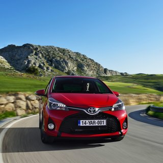 Toyota Yaris 3-Door L (2014)